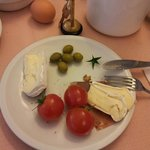                    Breakfast - brie cheese and cherry tomatoes