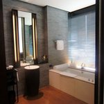                    La zona bagno del The Puli Hotel &amp; Spa