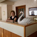  Colleen welcomes you to the Swan