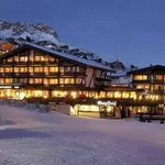  BURG Hotel im Winter - Direkt neben dem Skigebiet Lech-Zrs am Arlberg