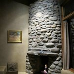 Stone Fireplace (Gas)