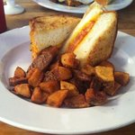 Grilled Cheese w/ Potatoes