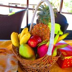  Fruit basket on the sampan