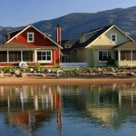  Cottages on lake Osoyoos at Veranda Beach