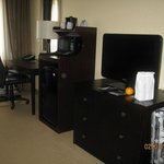                                      Nice desk &amp; TV area.  Free wi-fi