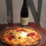 Pizza et vin de chinon