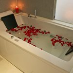  Comfort and relax in our jacuzzi