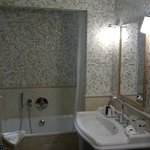 Superior Room (Bathroom)