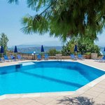  ALIANTHOS SUITES - POOL AREA