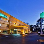 La Quinta Inn &amp; Suites Savannah Southside