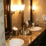 Honeymoon Suite Vanity