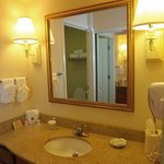  Queen Two Bedroom Fireplace Bathroom NS