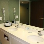 King Deluxe Bathroom