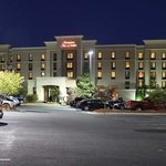 Welcome to the Hampton Inn & Suites Fredericksburg South