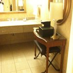 Foto van DoubleTree by Hilton Hotel Houston - Greenway Plaza