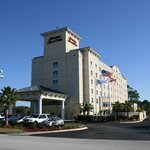  Hampton Inn &amp; Suites
