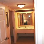  Double Suite Vanity