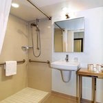Accessible Bathroom VHT0912
