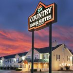 CountryInn&Suites Tulsa ExteriorNight
