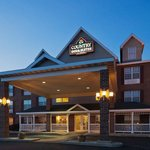 CountryInn&Suites Kenosha ExteriorNight