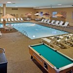 Holiday Inn Strongsville-Cleveland ARPT Pool