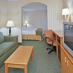  Enjoy the extra space and convenience of our King Feature rooms