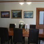  Guests dining room.