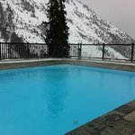  piscine ( par beau temps magnifique vue sur le Mont Blanc )