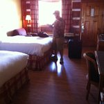                   Room.  Cabin feel, comfy beds, nice linens, comfy chair and ottoman - Pet Frie