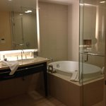  Nice bathroom- double sinks, separate toilet area