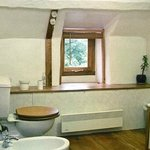 Weeping Withy Suite bathroom, with shower, bath, bidet & loo
