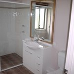  2-bedroom bathroom