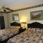 Hearthstone Inn & Suites Double Queen Room