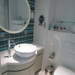  Bathroom with basic amenity