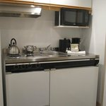  Full Kitchenette