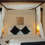  The pool side villa rooms bed