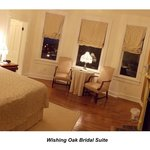 Wishing Oak Bridal Suite