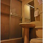 Deluxe Double Room Bathroom