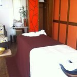 clean spa treatment room