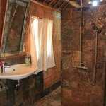 Bathroom - beachsuite no 1