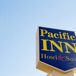 Pacific Inn Sign Web