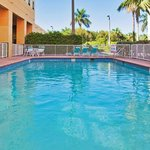  Staybridge Suites Miami Swimming Pool open from 9 am to 9 pm