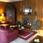  Den with comfy couches, fireplace and beautiful mountain view