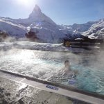  View of outdoor pool and Matterhorn