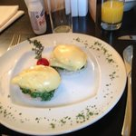  breggfast: eggs florentine