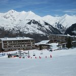  La Cachette hotel and Combettes lift