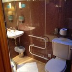 bathroom room 11