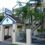 ‪Toowong Inn & Suites‬
