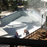  Preparing the pool for repair