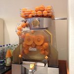cool fresh orange juice maker!!!
